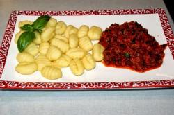 Gnocchi z gulaszem jagnięcym (Janjeci gula� s njokoma) – Chorwacja