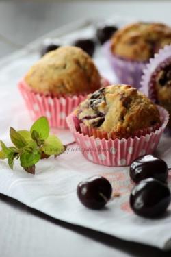 Muffiny z czereśniami i czekoladą