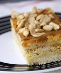 Orzechowiec czyli ciasto z kajmakiem i orzechami
