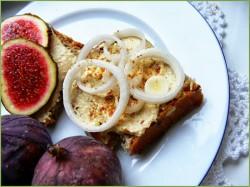 Pasta do chleba z ciecierzycy czyli kanapki na ostro i na słodko