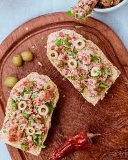 Pasta z makreli suszonymi pomidorami