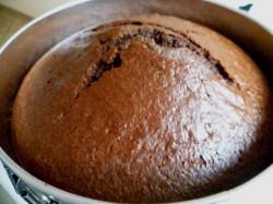 Tort kawowo-śmietanowy z borówkami