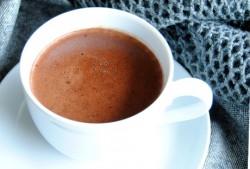 Aksamitna gęsta czekolada do picia na gorąco
