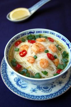 Chiński rosołek z krewetkami