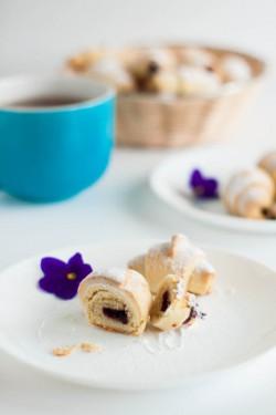 Ciasteczkowe rogaliki drożdżowe