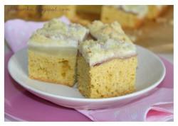 Ciasto karmelowe z gruszkami i kruszonką