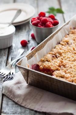 Ciasto migdałowe z malinami
