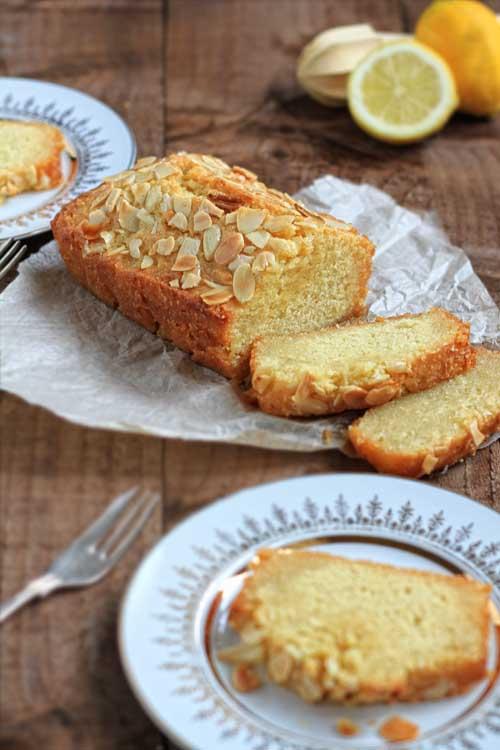 Cypryjskie ciasto z kaszą manną i syropem cytrynowym