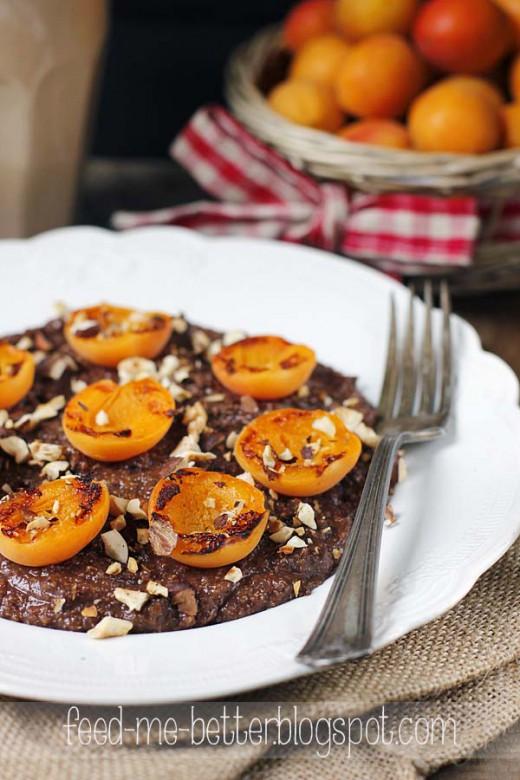 Dietetyczny, czekoladowy pudding (mus) z quinoa.
