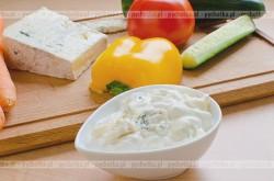 Dip z pleśniowym serem