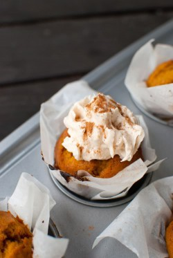 dyniowe cupcake'i z cream cheese frosting