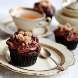 German chocolate turle cupcakes