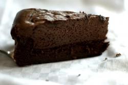 Idealne ciasto czekoladowe z musem