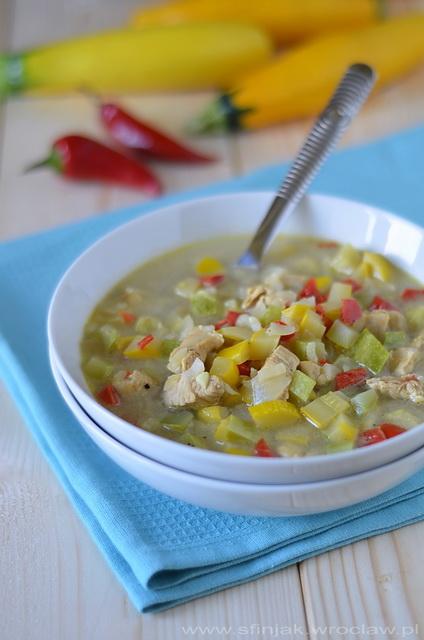 Jesienna i rozgrzewająca zupa cukiniowa