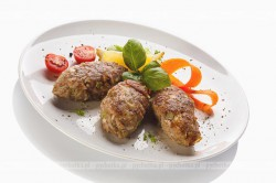 Kotlety z mięsa i ryżu