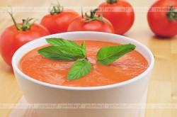 Krem z pomidorów z serkiem śmietankowym