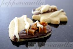 Kruche ciastka z czekoladą i orzechami lub/i krówką