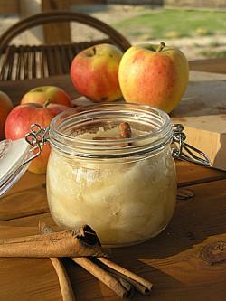 Marmolada z jabłek z cynamonem