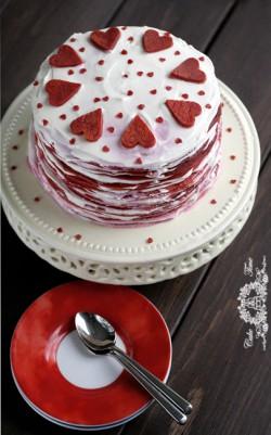 Naleśnikowy tort walentynkowy Red Velvet