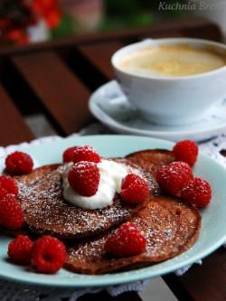 Pancakes z czekoladą i malinami