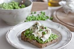 Pasta z bobu i zielonego groszku