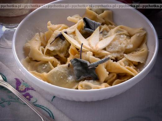 Pierogi z farszem warzywnym (Pansoti alle erbe)