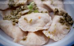 Pierogi z mięsem kaczki*