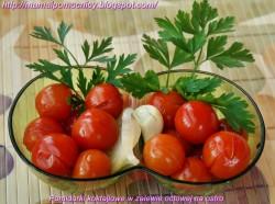 Pomidorki koktajlowe w zalewie octowej na ostro