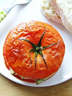 Pomidory nadziewane cukinią i fetą