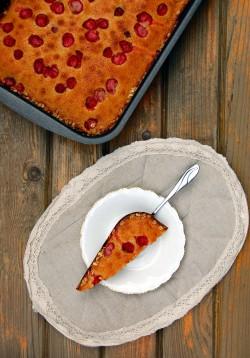 Proste ciasto muffinkowe z truskawkami