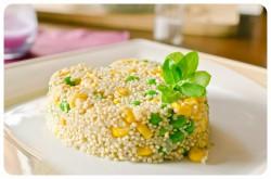 Quinoa z groszkiem i kukurydzą