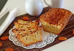Słodki chlebek z ananasem i morelami, bez dodatku cukru