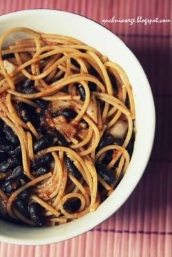 Spaghetti z czarną fasolą