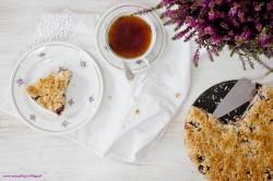 Szybkie ciasto kokosowe z serem i śliwkami