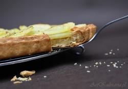 Tarta z duszoną cebulą i ziemniakami