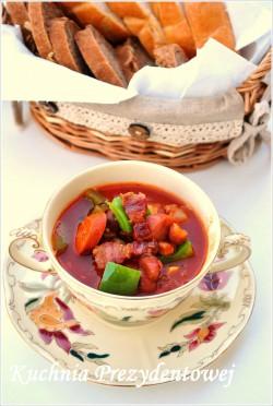 Węgierska zupa pomidorowa