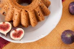 Wilgotne ciasto ze świeżymi figami i pyszna konfitura