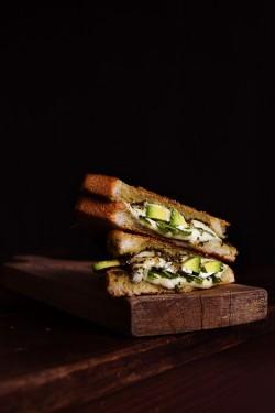 Zielone tosty z serem