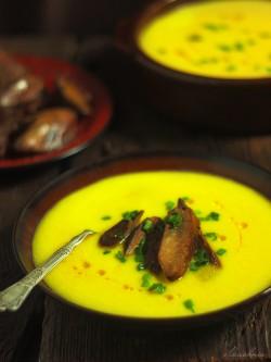 Zupa dyniowa krem z gesia watrobka