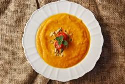 Zupa dyniowa z pieczonych warzyw