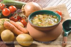Zupa jarzynowa z kiełbasą