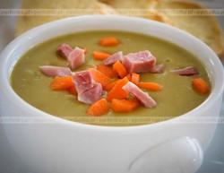 Zupa krem szparagowy z żółtkiem