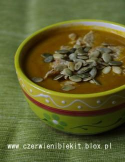 Zupa kremowa z pieczonej dyni i warzyw