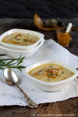 Zupa z pieczonej pietruszki