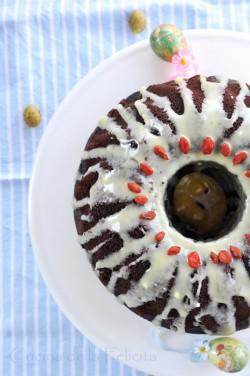 Babka czekoladowa z nadzieniem serowo-jagodowym