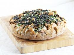 Chleb zapiekany z serem i pieczarkami oraz recenzja garnka firmy Neoflam