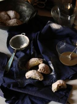 Ciasteczka krucho-drożdżowe z jabłkami czyli czerwcowe pieczenie w ramach Cukierni u Polki