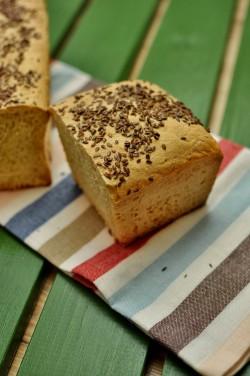 Chleb kukurydziany na zaczynie drożdżowym