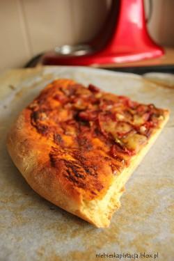 dyniowe ciasto na pizzę