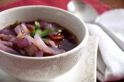 Fioletowa zupa z białej kapusty na azjatycką nutę